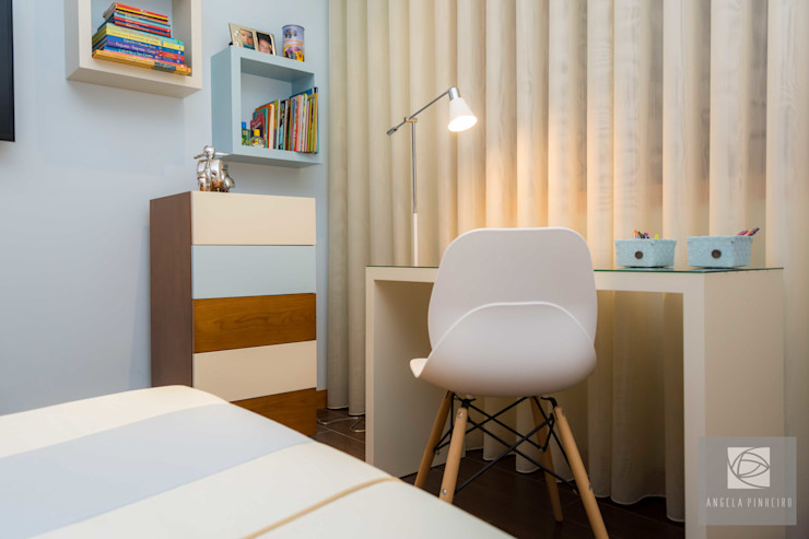 Secretária Ângela Pinheiro Home Design Quartos de criança modernos Madeira Azul