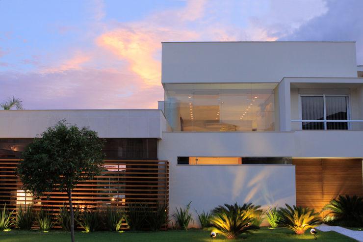 BRAVIM ◘ RICCI ARQUITETURA Modern houses