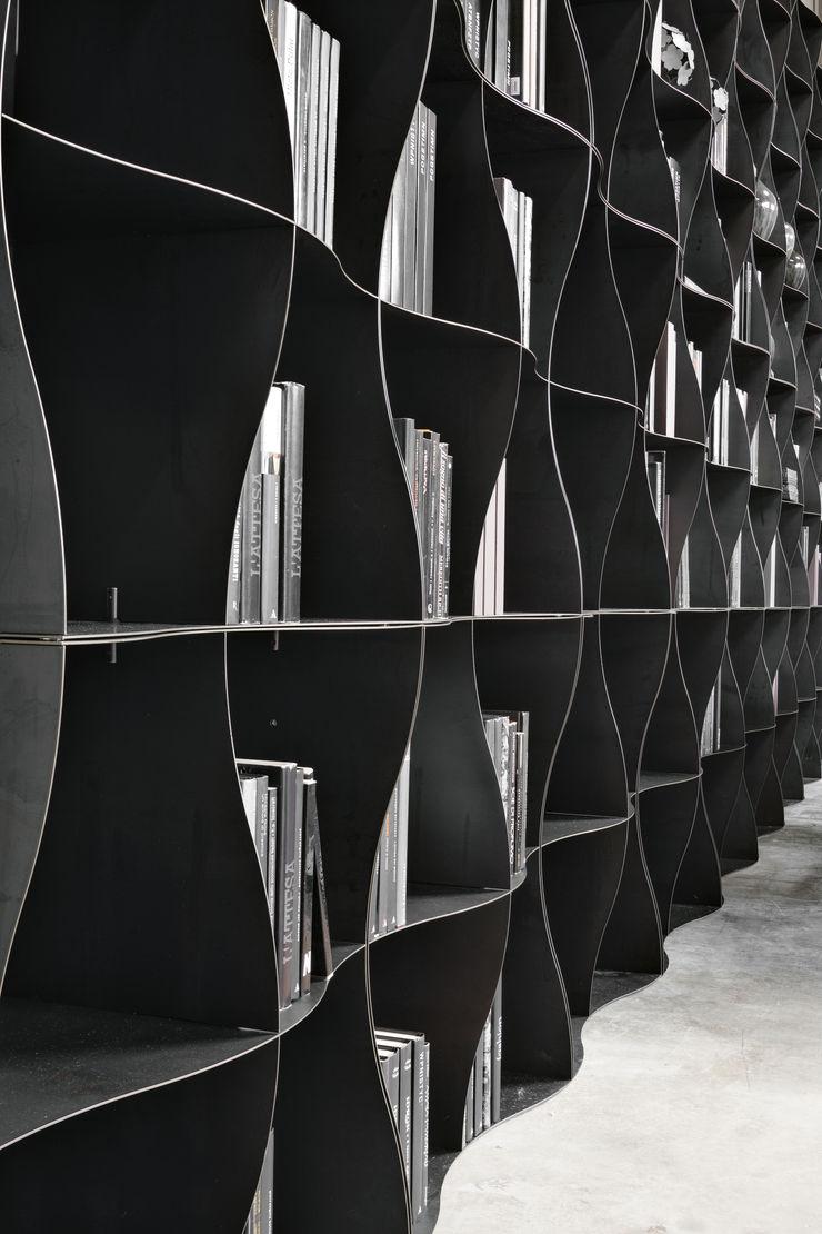 BandIt Design Negozi & Locali Commerciali Ferro / Acciaio Grigio