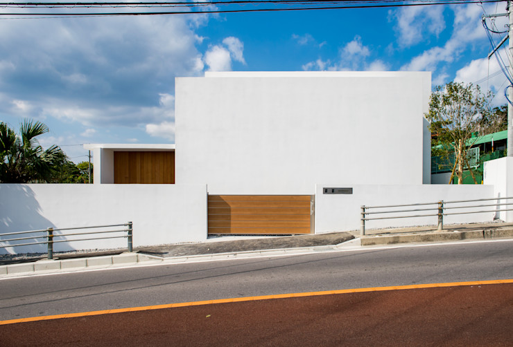 KKZ-house 門一級建築士事務所 モダンな 家 鉄筋コンクリート 白色
