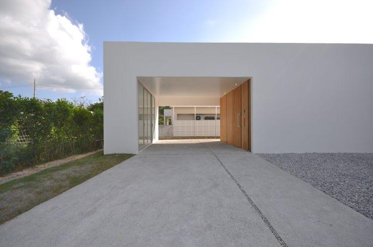 O-HOUSE 門一級建築士事務所 モダンな 家 鉄筋コンクリート 白色