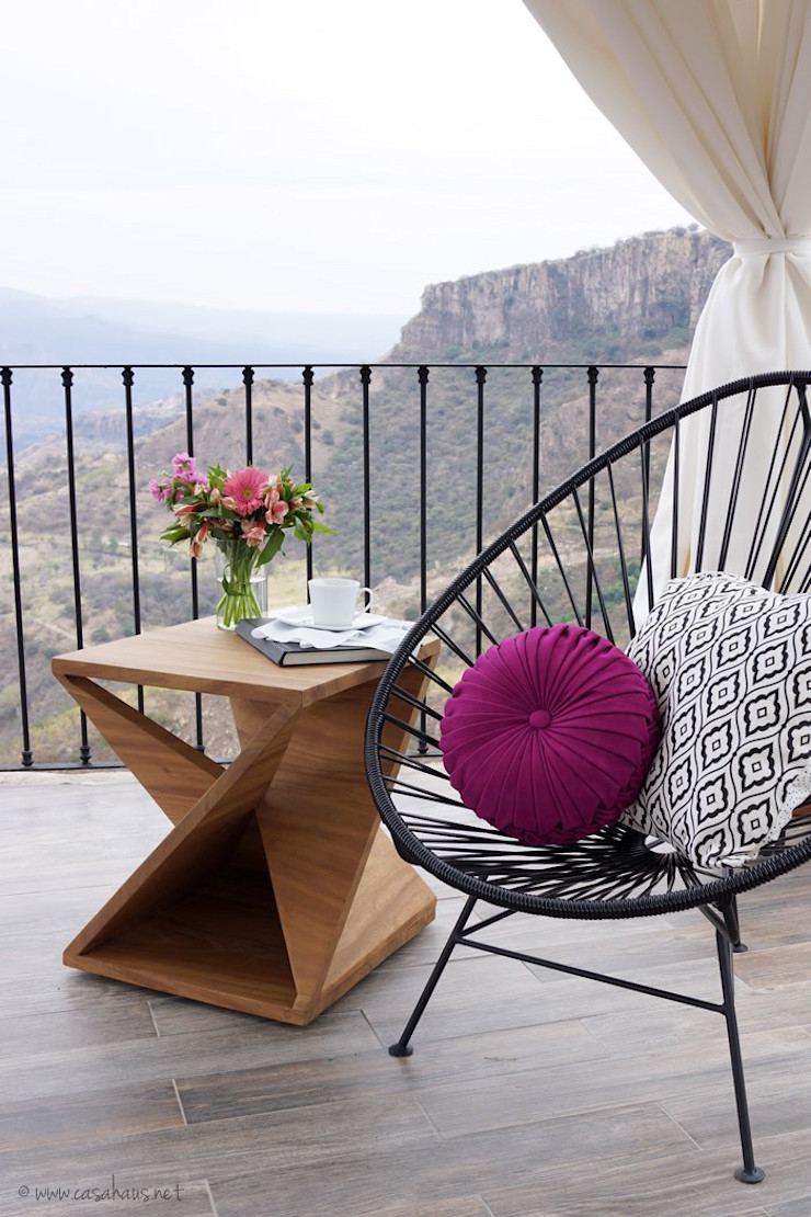 Talisma Eclectic style balcony, veranda & terrace