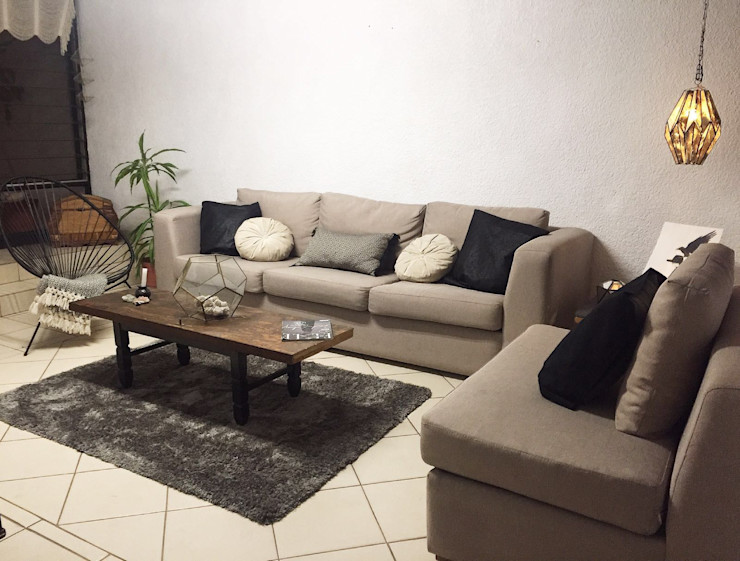Talisma Eclectic style living room