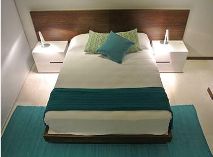 ArtiA desarrollo, arquitectura y mobiliario. Minimalist bedroom Wood effect