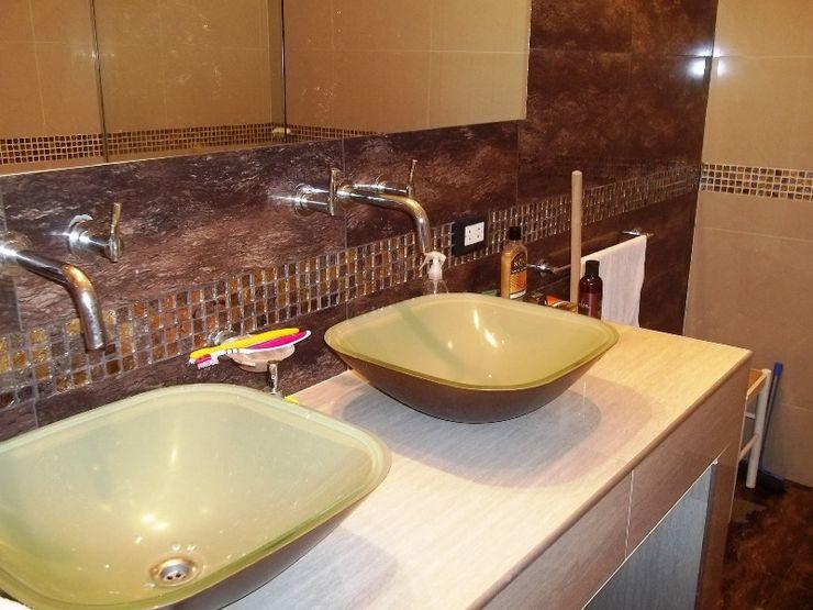 Liliana almada Propiedades Colonial style bathroom