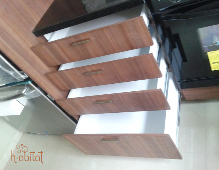 H-abitat Diseño & Interiores 現代廚房設計點子、靈感&圖片 刨花板
