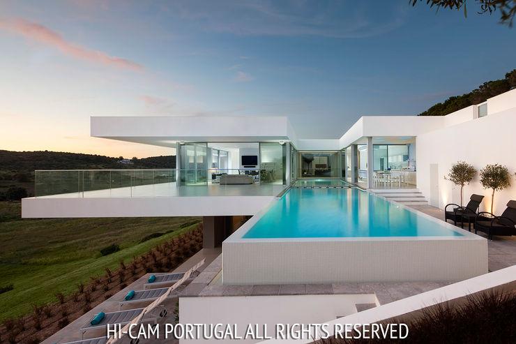 Villa Escarpa Hi-cam Portugal Casas modernas Betão armado Branco