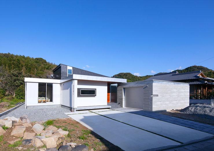 ISDアーキテクト一級建築士事務所 Case moderne Alluminio / Zinco Bianco
