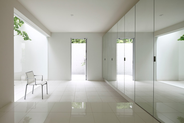 SQOOL一級建築士事務所 Коридор, прихожая и лестница в модерн стиле