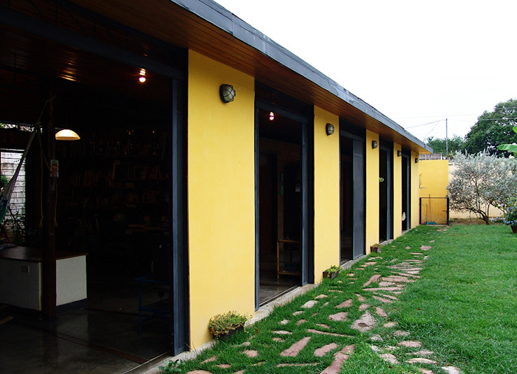 YUSO Classic style houses Yellow
