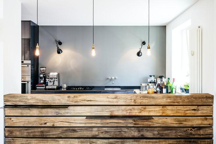 BESPOKE GmbH // Interior Design & Production Modern Kitchen Iron/Steel