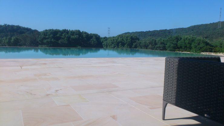 Grabados en Mármol S.L Country style pool