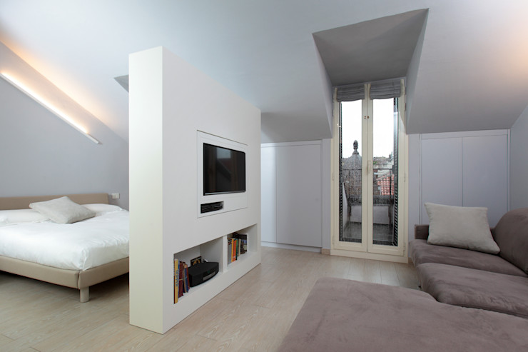 Mansarda architetto roberta castelli Soggiorno minimalista