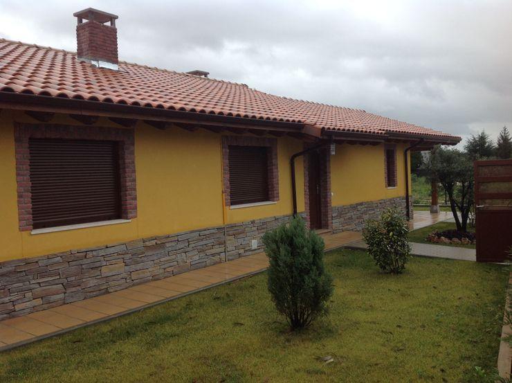 Casa modular de una planta Asturias MODULAR HOME Casas de estilo rústico
