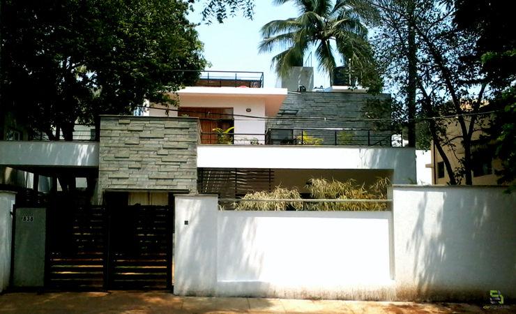 RESIDENCE FOR TALWAR de square Modern houses