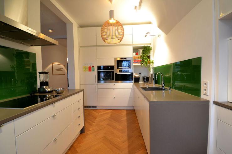 reichl---beraten-planen-verwirklichen Modern kitchen