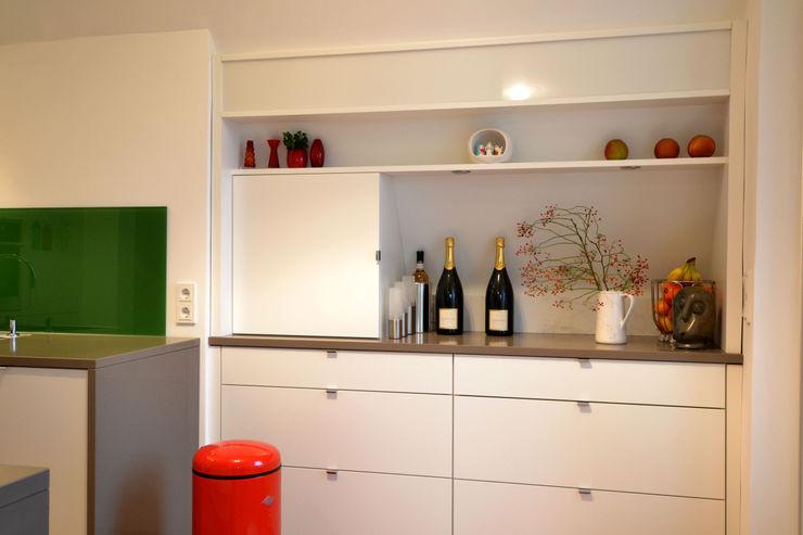 reichl---beraten-planen-verwirklichen KitchenCabinets & shelves