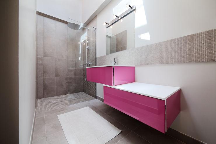 Salle d'eau O2 Concept Architecture Salle de bain moderne Grès Rose