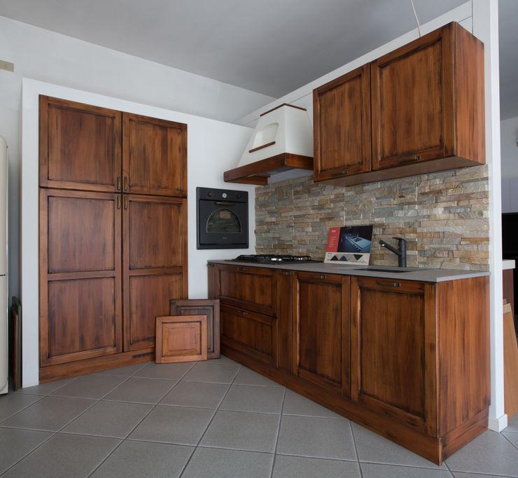 Vibo Cucine sas di Olivero Bruno e c. Kitchen Solid Wood Brown