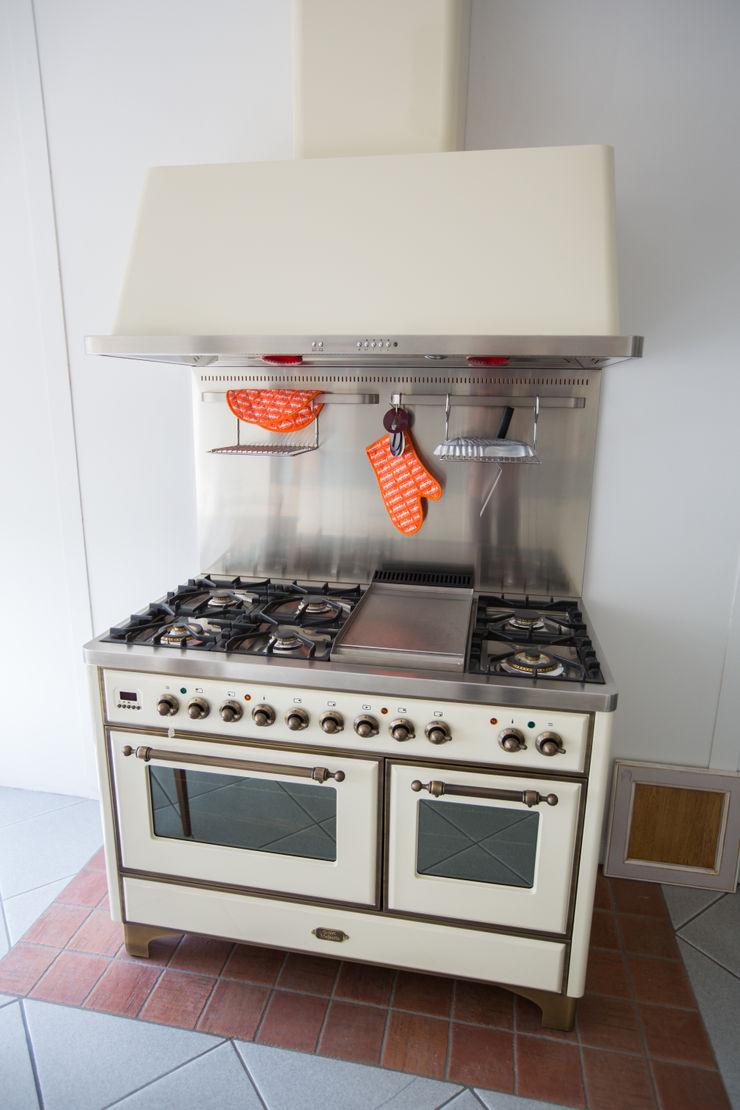 Vibo Cucine sas di Olivero Bruno e c. Industrial style kitchen Beige
