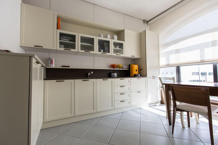 Vibo Cucine sas di Olivero Bruno e c. Kitchen MDF Beige