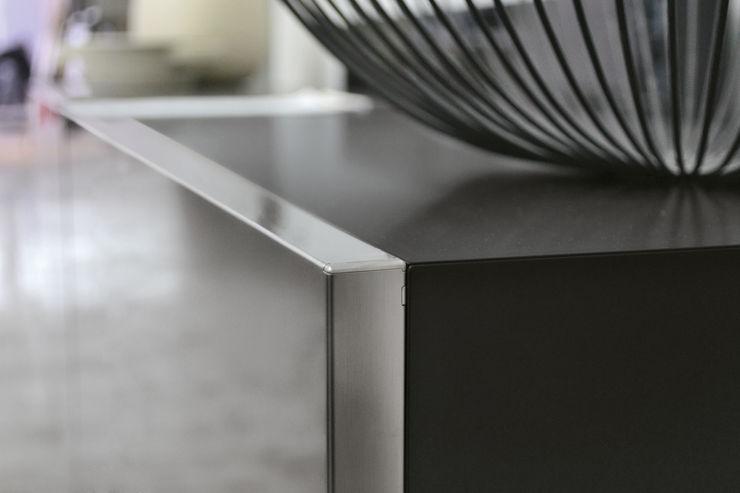 BandIt Design Pasillos, vestíbulos y escaleras Cómodas y estanterías Hierro/Acero Metálico/Plateado
