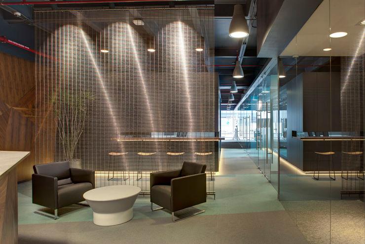 Soccermedia - RIMA Arquitectura RIMA Arquitectura Estudios y despachos de estilo moderno Hormigón
