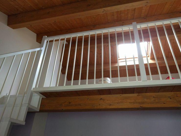 Soppalco in legno maurizioborri Camera da letto in stile classico