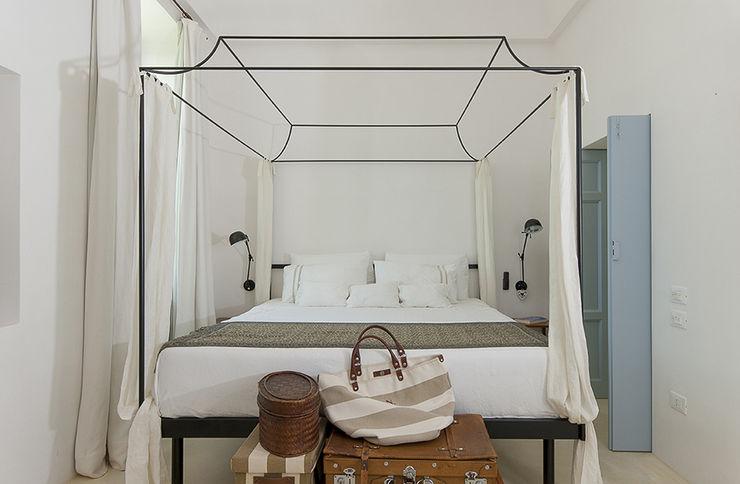 STUDIOTALENT srl Mediterranean style bedroom