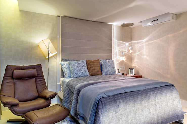 Milla Holtz & Bruno Sgrillo Arquitetura Chambre moderne Beige