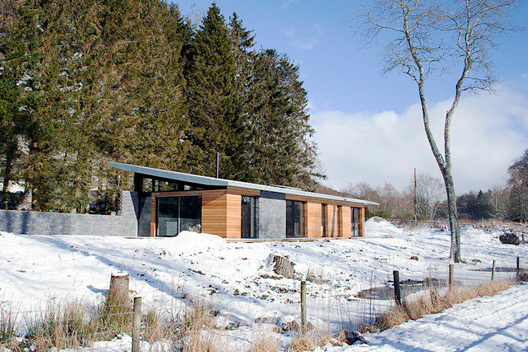 External front elevation Brown & Brown Architects Modern houses Wood