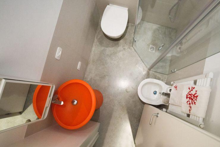 PADIGLIONE B Minimalist bathroom Concrete