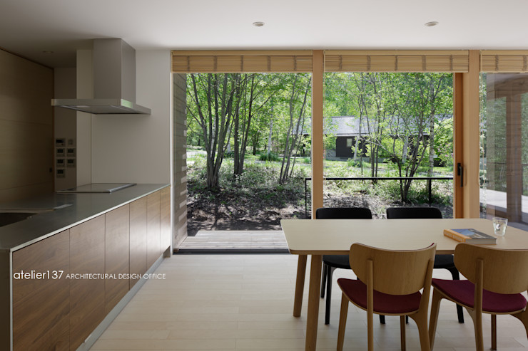 atelier137 ARCHITECTURAL DESIGN OFFICE 餐廳 木頭 Wood effect