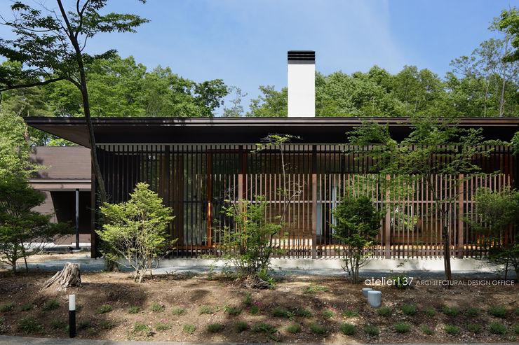 外観~038那須Fさんの家 atelier137 ARCHITECTURAL DESIGN OFFICE クラシカルな 家 木 ブラウン