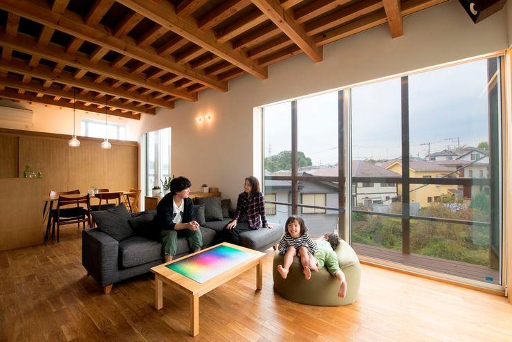 HAN環境・建築設計事務所 Modern living room Wood Wood effect