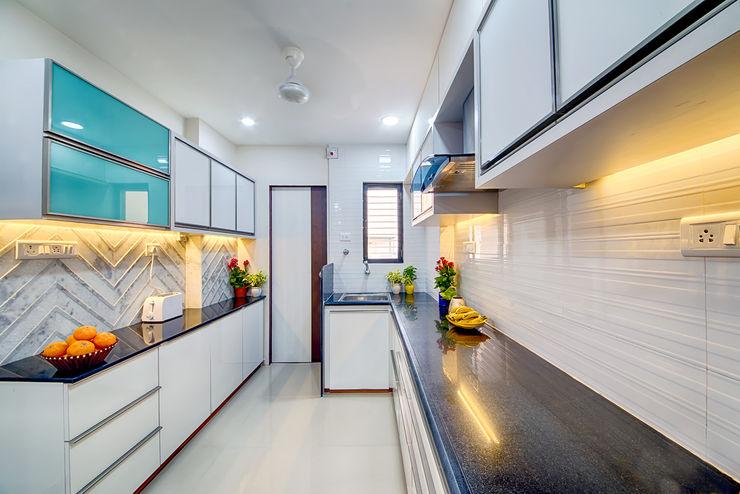 Saar Interior Design Cocinas de estilo ecléctico Multicolor