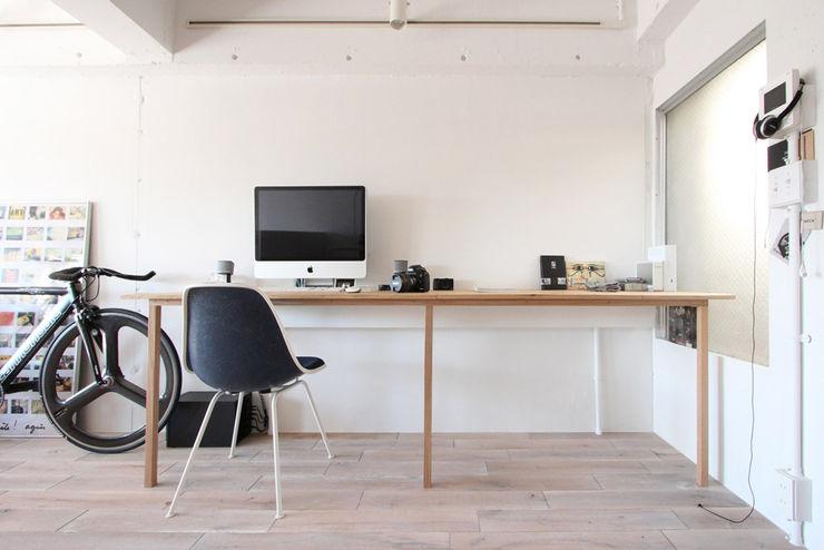 オトコの白 nuリノベーション ミニマルデザインの 書斎