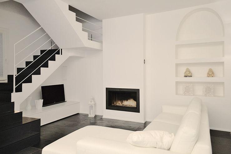 Salotto Studio di Architettura Ortu Pillola e Associati Soggiorno moderno Bianco