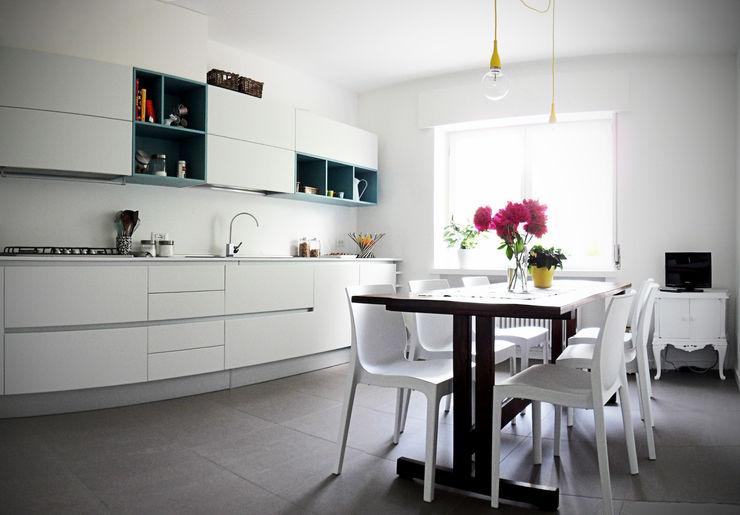 Casa Bobolo tiziano de cian Cucina moderna Bianco