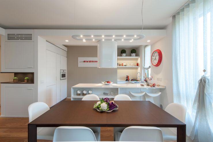 Studio Associato Casiraghi Minimalist kitchen White