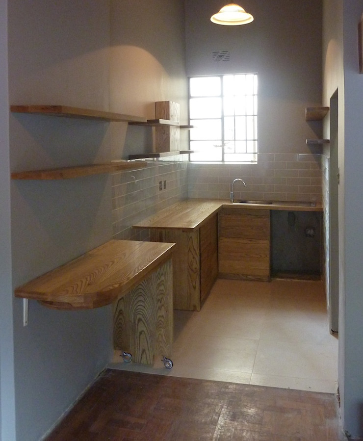 Montreaux - Kitchen 4 GreenCube Design Pty Ltd KitchenCabinets & shelves Wood