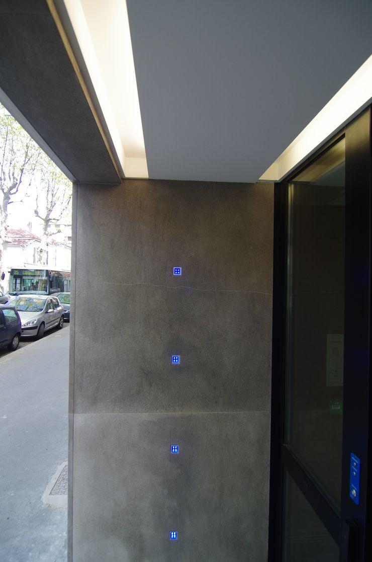 Mur lumineux Pierre Bernard Création Locaux commerciaux & Magasin modernes