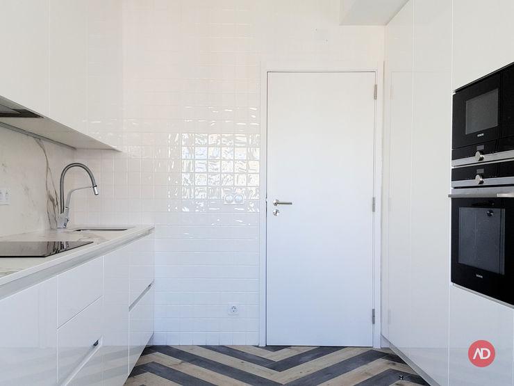 Cozinha ARCHDESIGN LX Cozinhas embutidas Cerâmica Branco