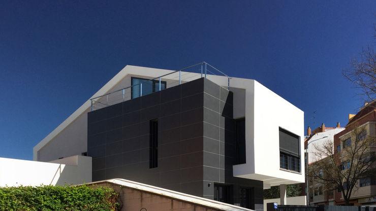 arqubo arquitectos منازل سيراميك White