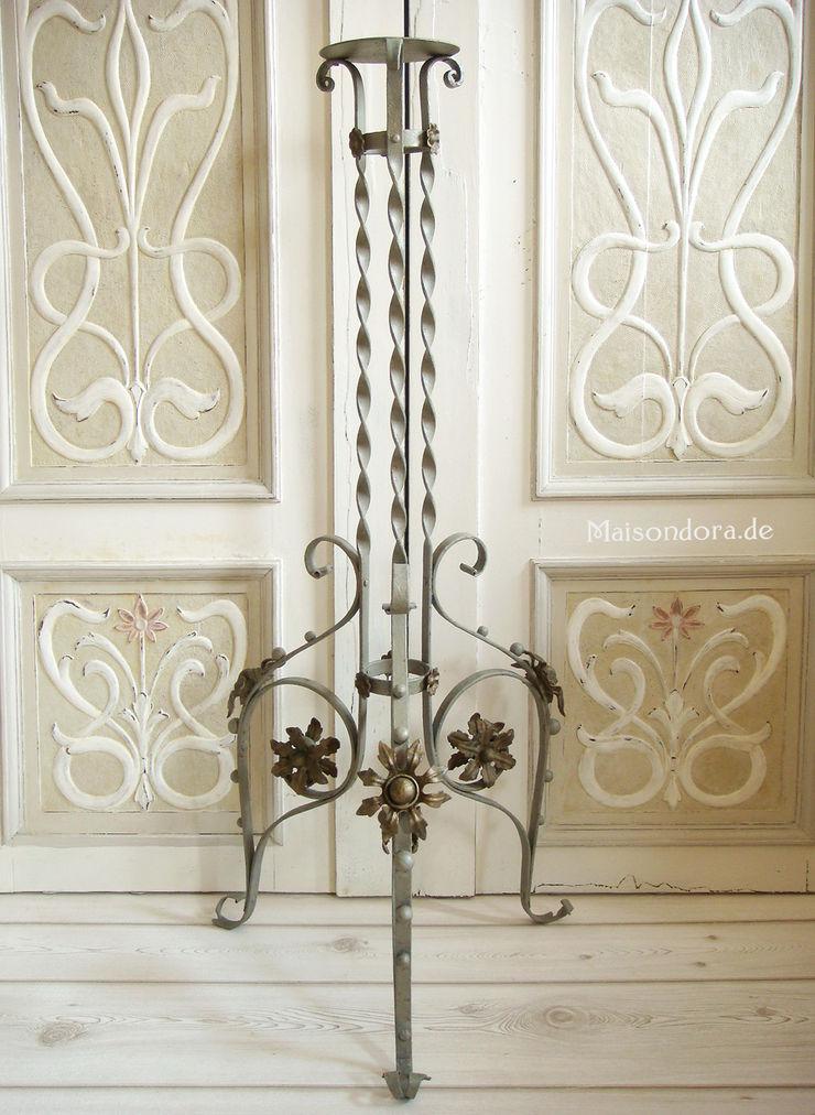 Maisondora Vintage Living Balconies, verandas & terraces Furniture Metal Metallic/Silver