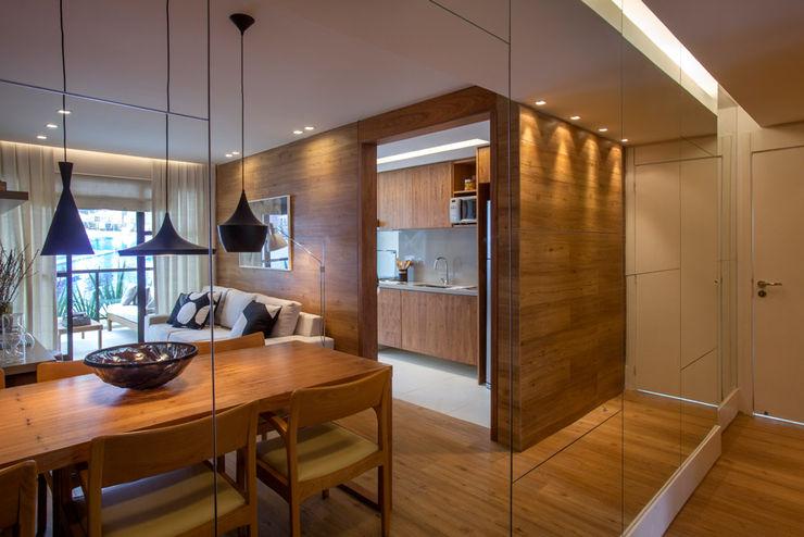 Apartamento decorado RJZ - Gisele Taranto Arquitetura Salas de jantar modernas