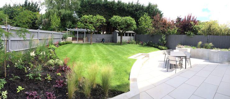 Modern Family Garden Borrowed Space Jardin moderne