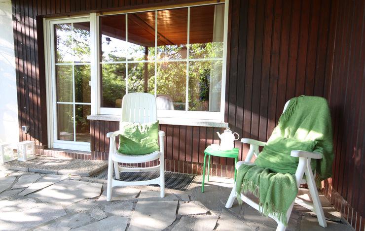 Birgit Hahn Home Staging Classic style balcony, veranda & terrace Green