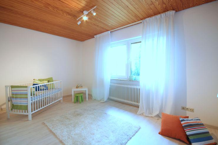 Birgit Hahn Home Staging Classic style nursery/kids room Green