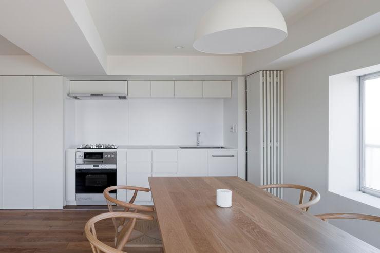 本城洋一建築設計事務所 Kitchen Solid Wood White